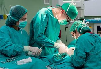 Bilde av operasjonssal på sykehus.