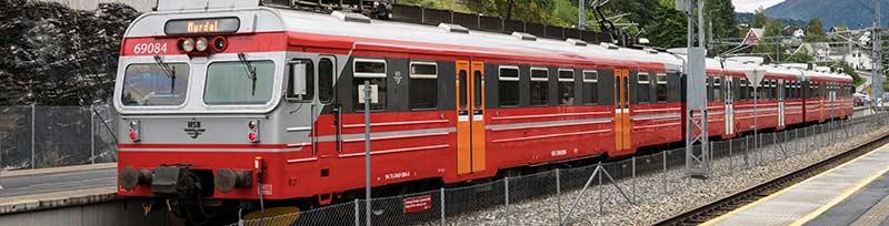 Bilde av tog.